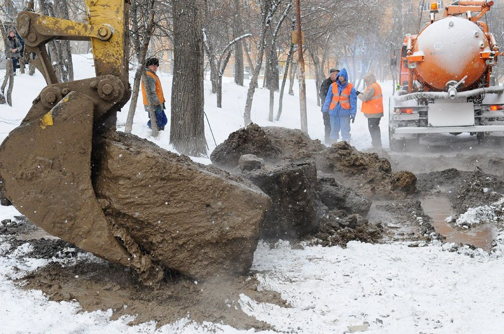 С режима повышенной готовности подразделения «КрасКома» перешли на усиленный режим работы в связи с движением пластов промерзшего грунта, ведущим к росту повреждений на подземных коммуникациях.