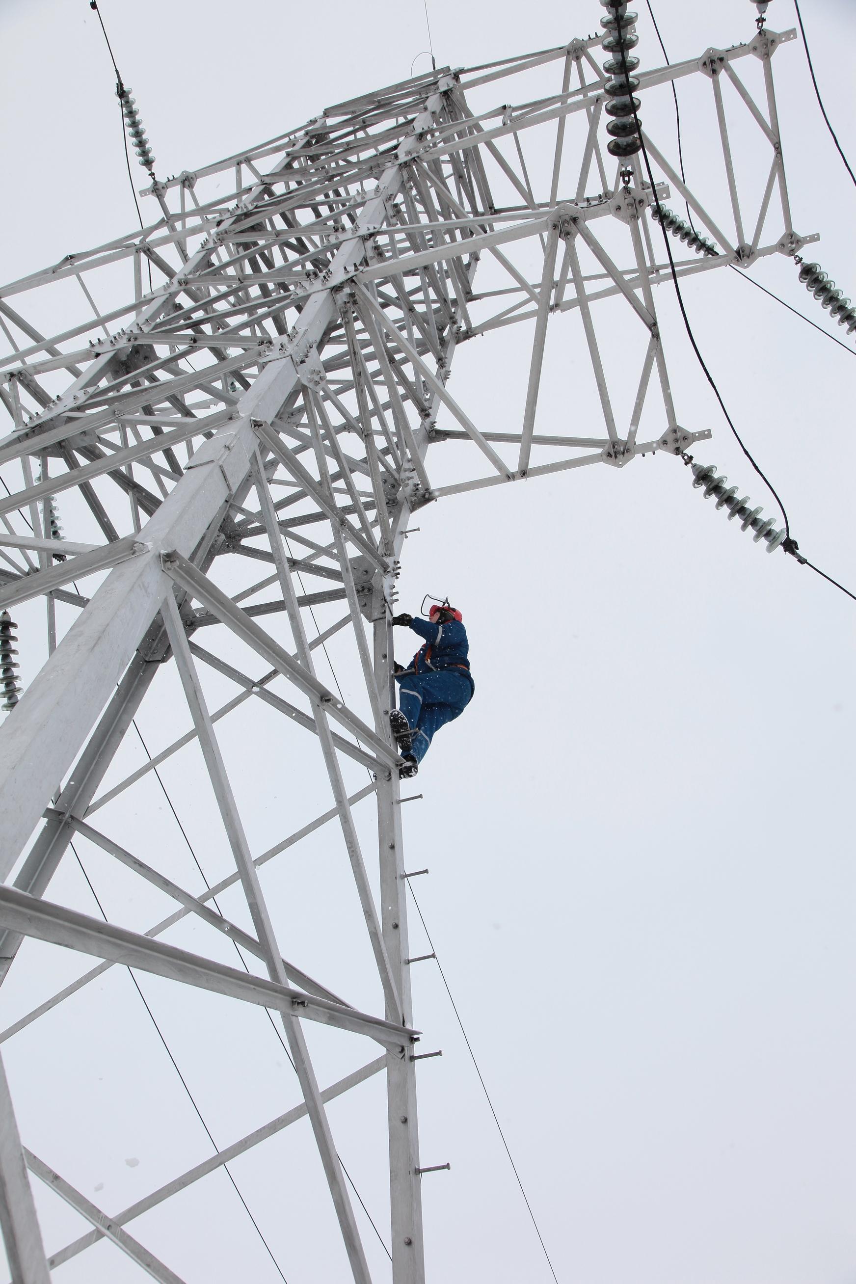 Сегодняшняя остановка водозабора острова Верхнеатмановского для ремонта грозозащиты на высоковольтной линии электропередачи проходит без отключения холодной воды у жителей Ленинского района.